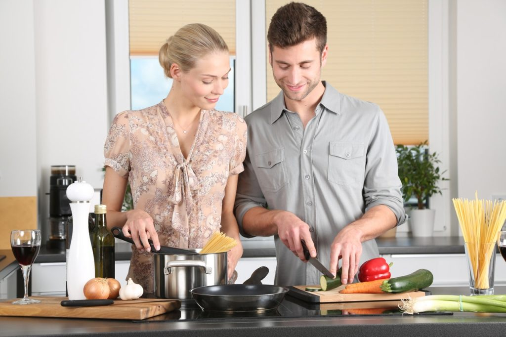 FDN Life Magazine - Couples Working Together - The Pros and Cons of FDN Couples Working, Living and Traveling Together
