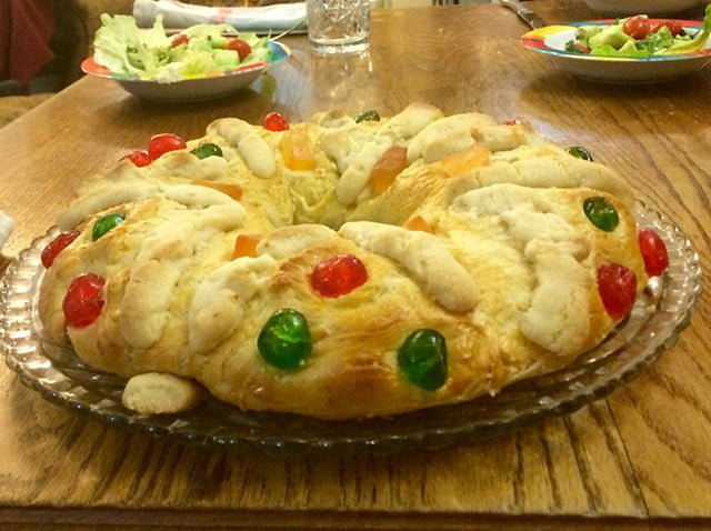 FDN LIFE MAGAZINE - ISSUE 4 > Nathalia da Silva writers on FESTIVE SEASON FOOD FROM AROUND THE WORLD - Rosca de Reyes in Mexico