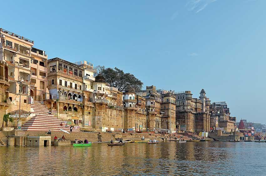 Varanasi (India) - Oldest Cities in the world - FDN Life Magazine - Issue 4