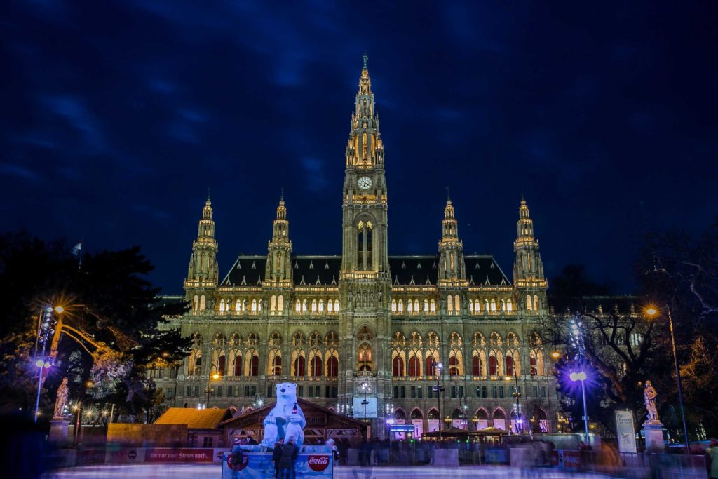 FDN LIFE MAGAZINE - Issue 4 - THE TOP 9 FUNKIEST, WEIRDEST & MOST WONDERFUL PLACES TO SPEND CHRISTMAS THIS YEAR! - ENJOY THE MAGIC OF A CHRISTMAS CONCERT IN VIENNA (AUSTRIA)