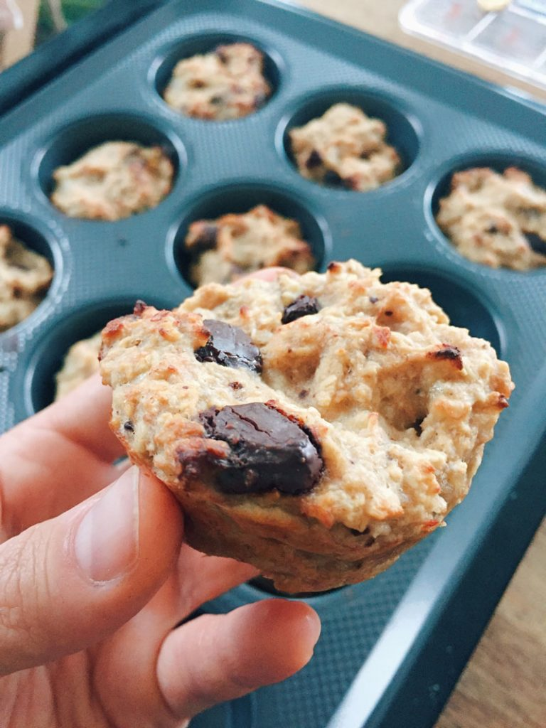 FDN Life Magazine - May to June 2020 Issue 7 - Healthy 4-Ingredients Vegan Muffins Recipe